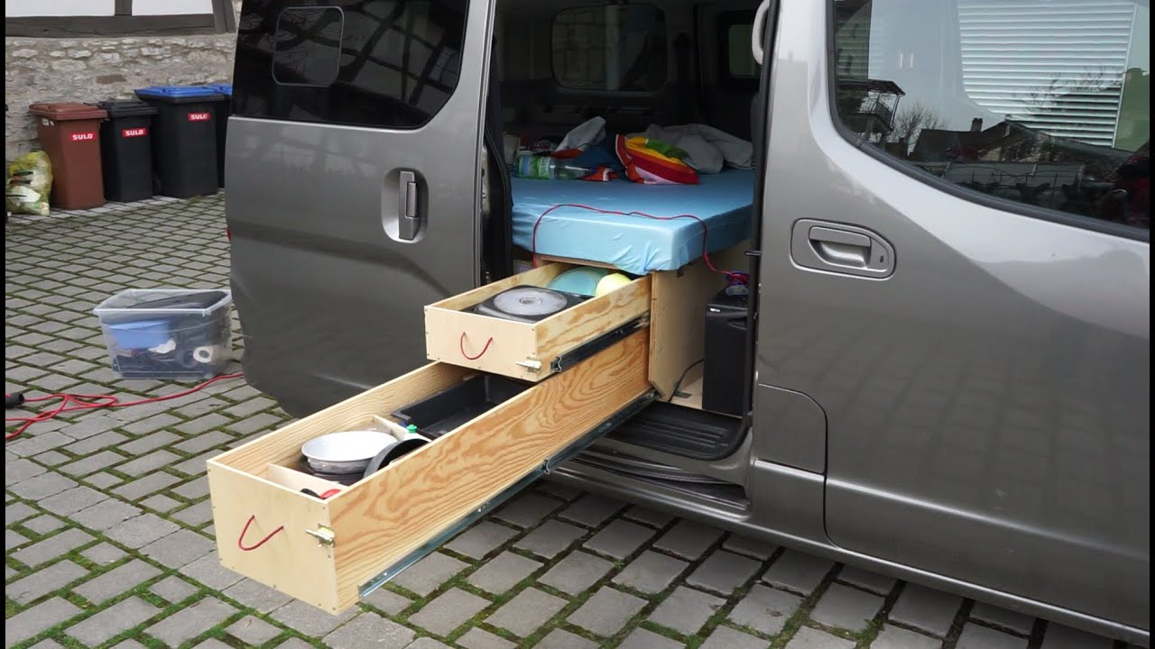 nissan nv200 evalia minicamper mit innovativem. Black Bedroom Furniture Sets. Home Design Ideas