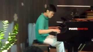 phu bieu dien piano