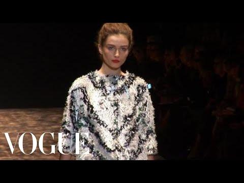 Fashion Show – Giambattista Valli: Spring 2010 Ready-to-Wear