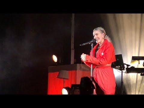 Anne-Marie - Cry  / Opening / Warszawa Stodoła