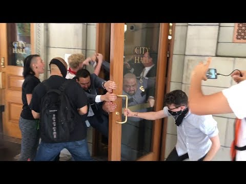 Protesters storm Portland City Hall, injuring guards; arrests made | OregonLive.com