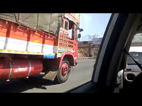 Cruising at 120kmph on NH-48 Mumbai-Pune Expressway