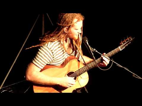 Newton Faulkner - You spin me round, No diggity, Teardrop