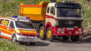 RC trucks and excavators in motion! Amazing R/C machines!