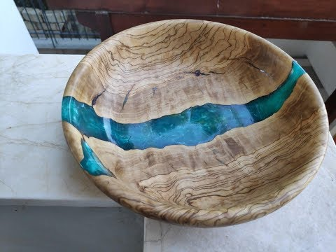 """Making a Resin """"River"""" Style Bowl From Olive Wood."""