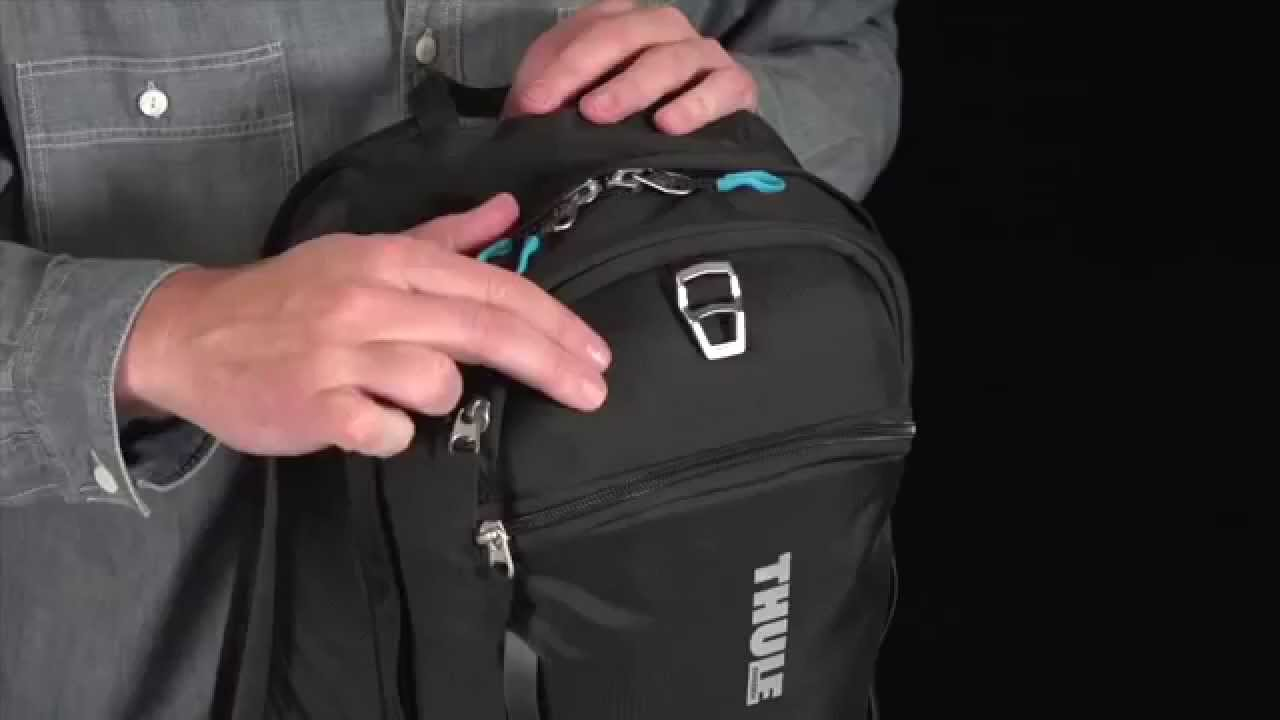 Thule EnRoute Strut Daypack TESD-115 - YouTube a2c9875682
