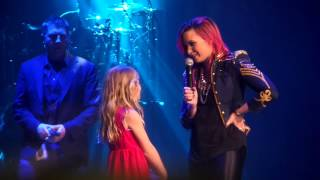 Gambar cover Let It Go- Demi Lovato brings little girl on stage Omaha 3/16/14