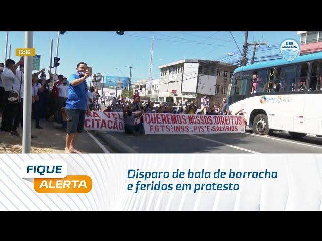 Disparo de bala de borracha e feridos em protesto de ex-funcionários da Veleiro