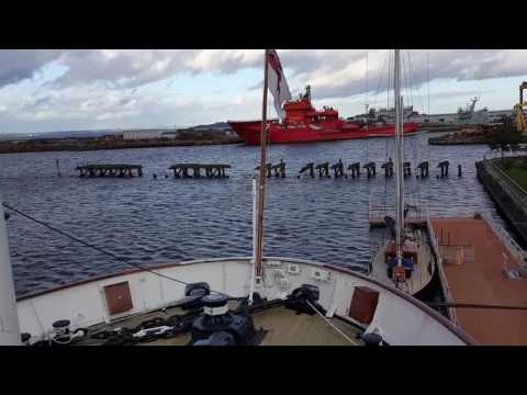 Narrated Guided tour Royal Yacht Britannia, docked in Edinbu