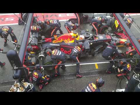 Red Bull's record breaking pit stop 1.88 seconds