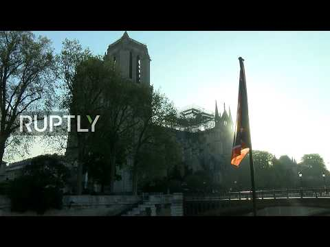 Ruptly live from the aftermath of Notre-Dame fire