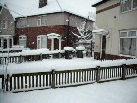 Snowing Heavy In Bolton 4