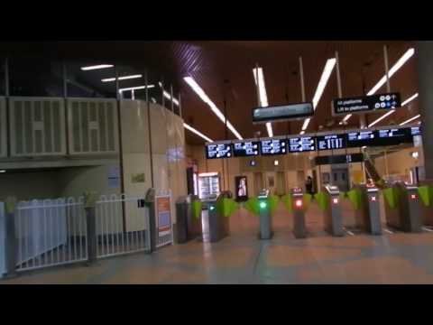 Melbourne - Public Transport - Flagstaff Station (Metro Trains Melbourne) 2016 12 21