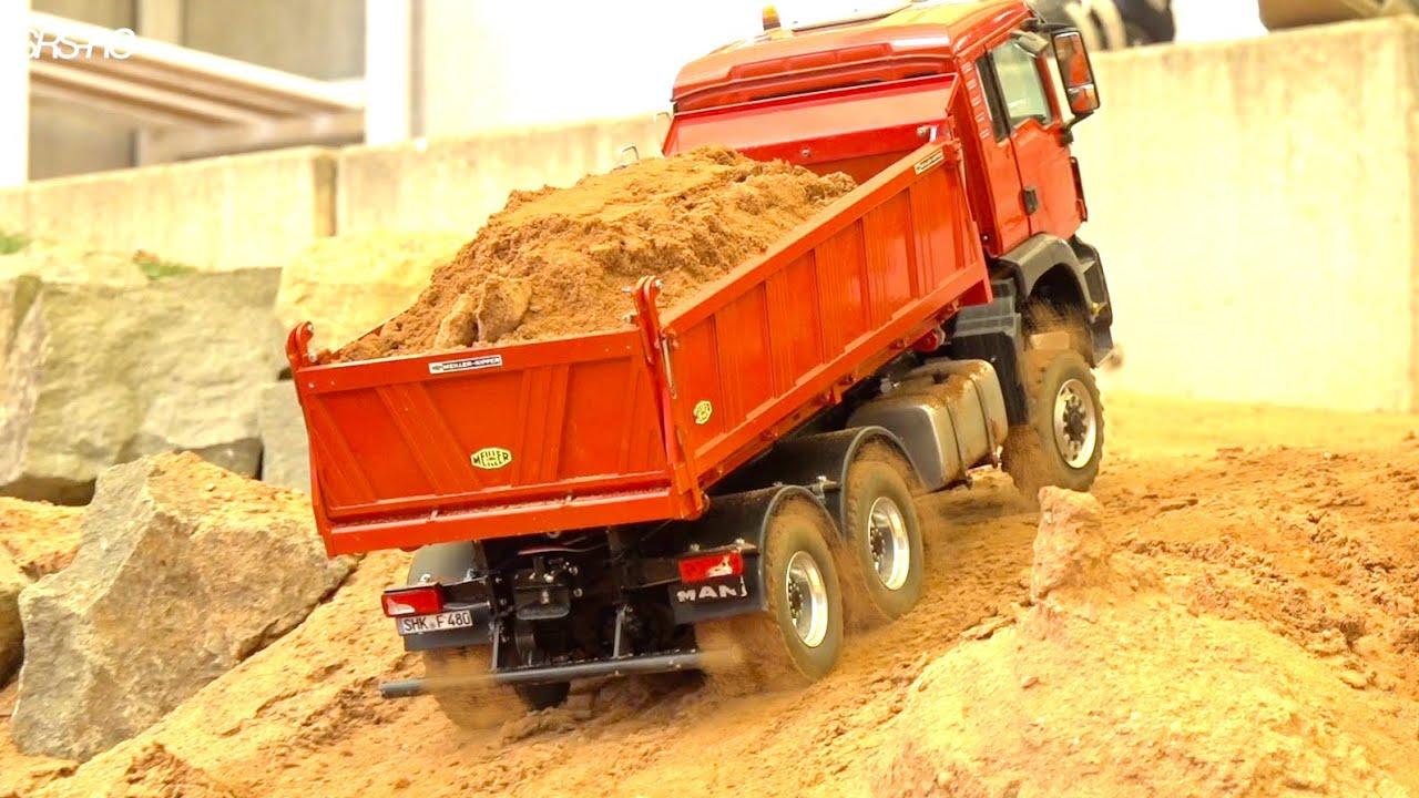 RC TRUCKS STUCKING//HEAVY HAULAGE RC TRUCK ACTION//CONSTRUCTION-WORLD//MUDDY RC TRAC