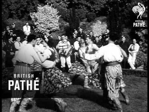Dancing Lesson - Poles Teach Waafs (1944)
