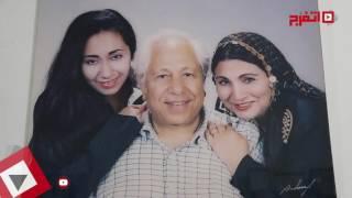 اتفرج | تعرف على هدية ابنة فاطمة عيد لـ«القذافي»