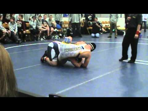Kentucky wrestler breaks ohio wrestlers leg with illegal move at middle school duals at danville IL