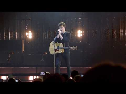 Shawn Mendes - The Weight (live at Ziggo...