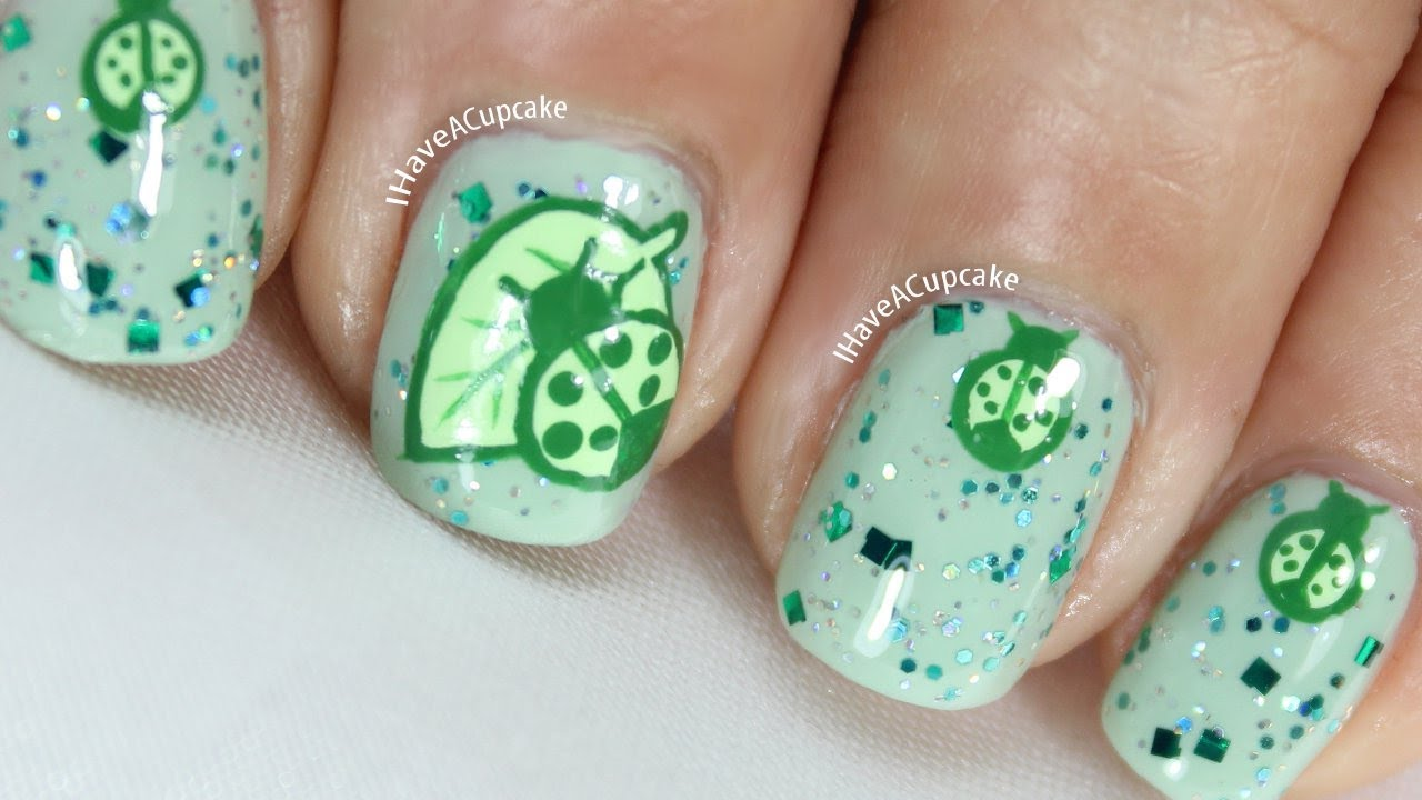 green lady bug nail art