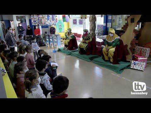VÍDEO: Los Mensajeros Reales recogen las cartas de más de 4.000 escolares lucentinos