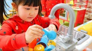 お料理ごっこ遊び!アンパンマンのキッチンが壊れた!大量のおままごとおもちゃお買い物 Playhouse Kids Kitchen Cooking Toy Play