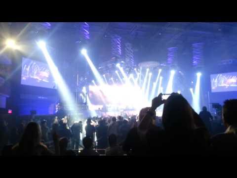 Guns N' Roses @ Las Vegas --- 11/21/2012: Live and Let Die (Clip)