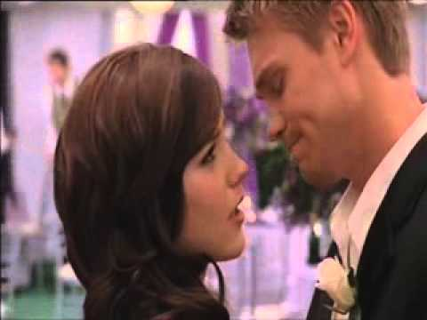 Download OTH - Ep. 322 - Finale - We're Going To London