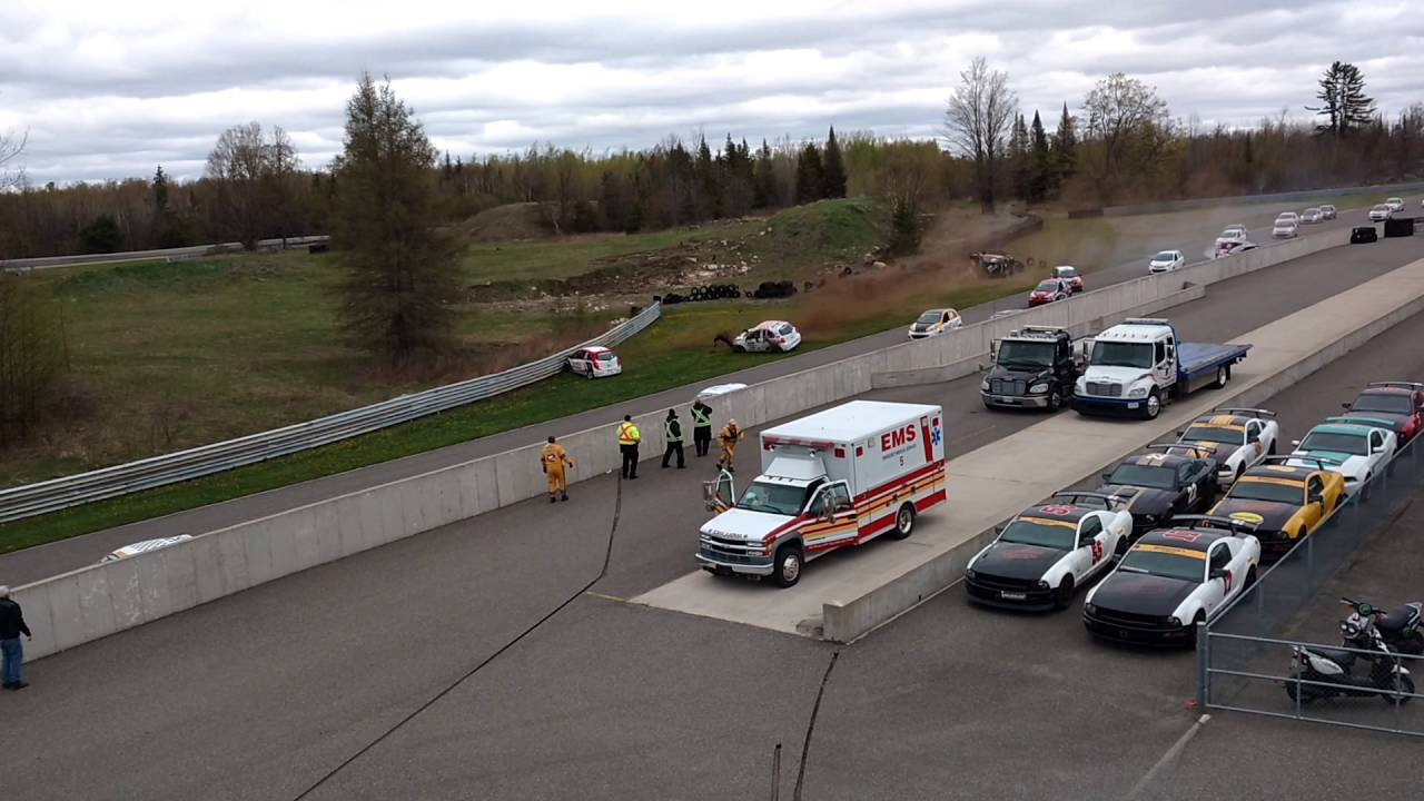 Calabogie Race Track >> Coupe Micra Cup Calabogie Race 2 Crash - May 15 2016 - YouTube
