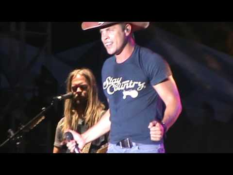 Dustin Lynch -  Party Song (NEW) @ Country USA 2016