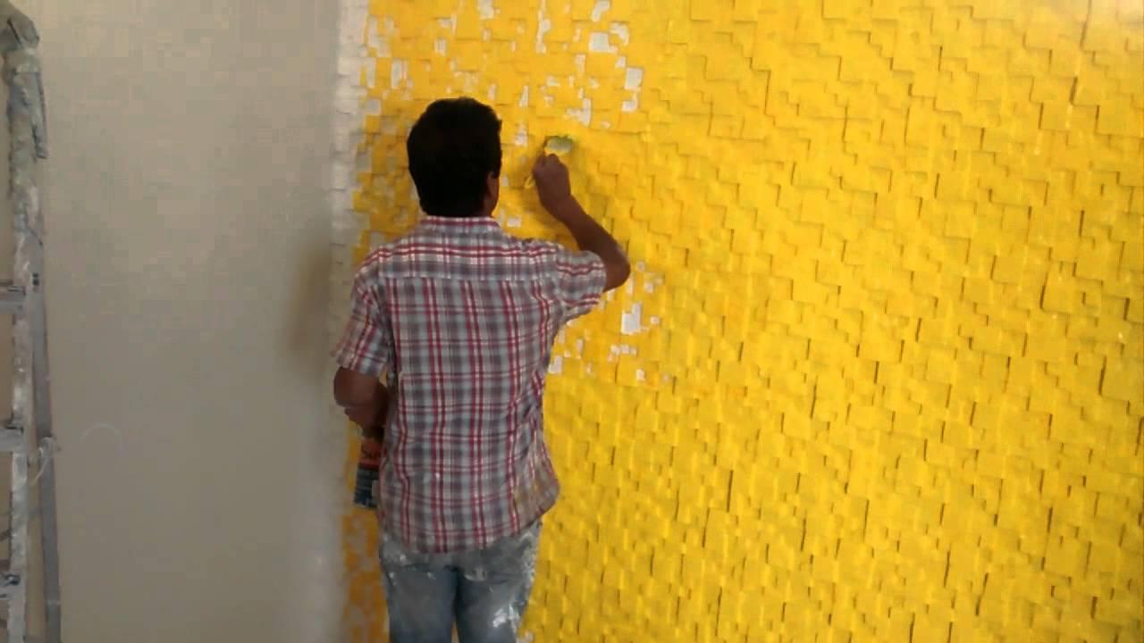pincel pintando. pintando os mosaicos com pincel