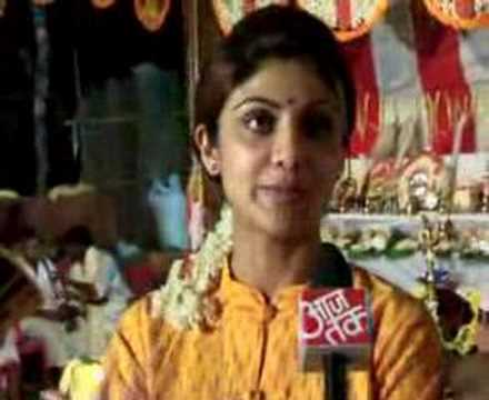 Shilpa Shetty Enjoying Bhuta Kola at her native - Mangalore Part 2