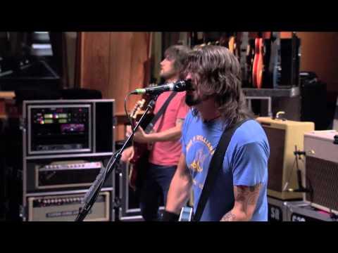 Foo Fighters - 1. Bridge Burning (LIVE @ Studio 606)