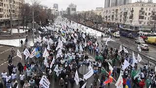 Почти 100 тысячная колонна SaveФОП идет по проспекту Победы 28 01 21