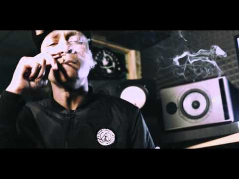 M Dargg - Snakes in the grass #TheMixTape [Studio Video] @MDargg @UncleFumez | Link Up TV