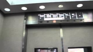 ショッパーズプラザ横須賀三菱オーダー型エレベーター三菱アクセルアイ展望用