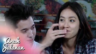 Video Romantisnya Boy & Reva Didepan Ian [Anak Jalanan] [22 Jan 2016] download MP3, 3GP, MP4, WEBM, AVI, FLV Oktober 2017