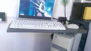 Space-saving DIY Desktop