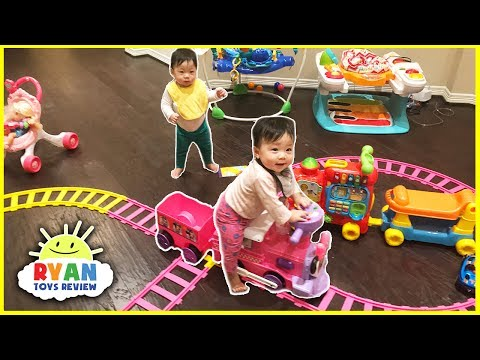 Disney Junior Minnie Mouse Motorized Choo Choo Train with Tracks & Plane Ride On Toy
