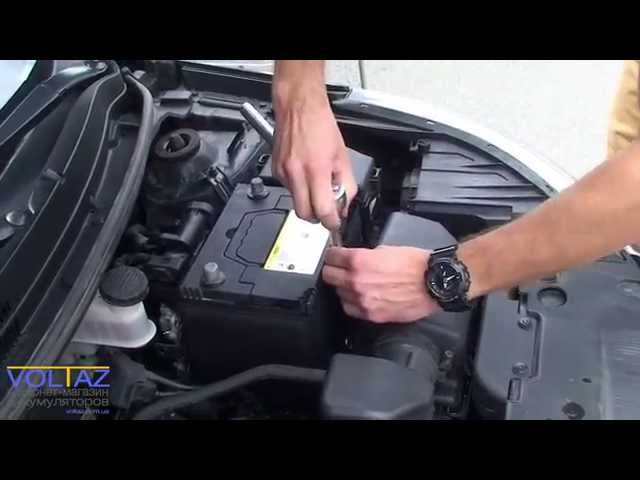 Замена аккумулятора на Kia Rio 2012