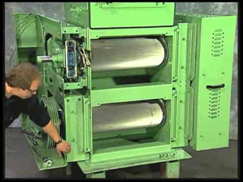 CPM Roskamp - How to change rolls on a Roskamp Series RM/DPX Roller Mill