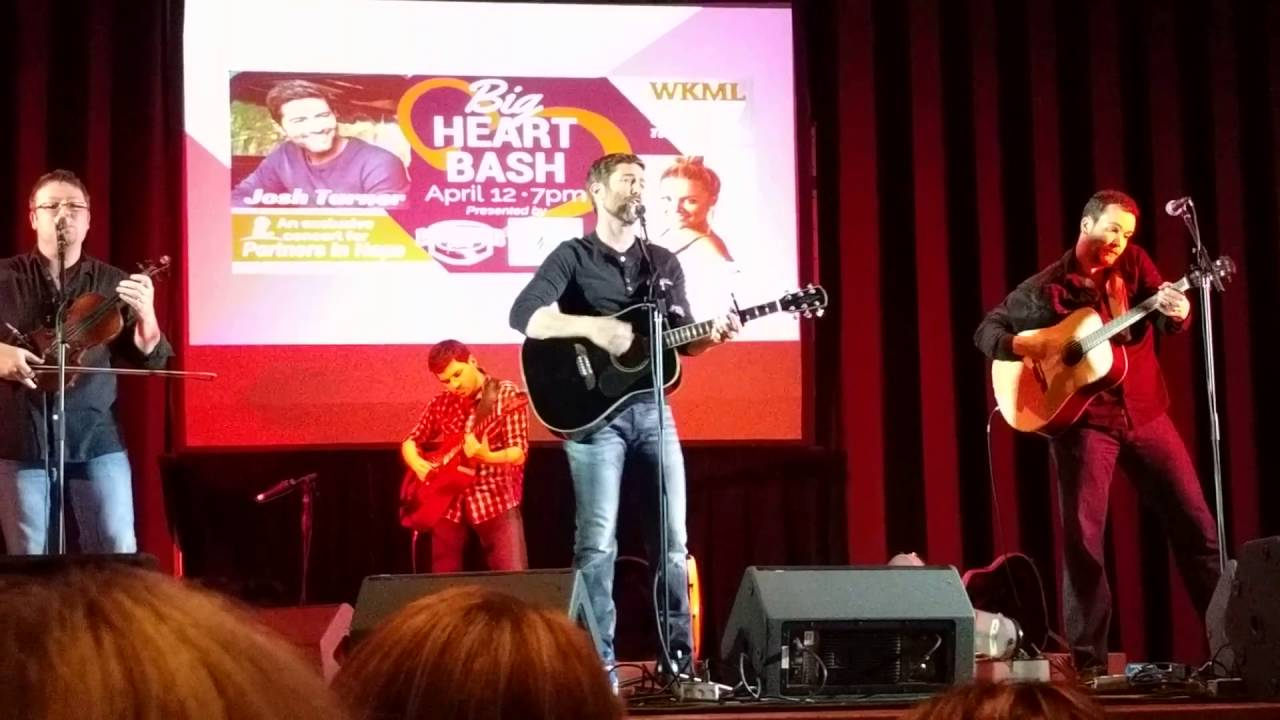 Josh Turner S Quot Hometown Girl Quot At The Big Heart Bash Youtube