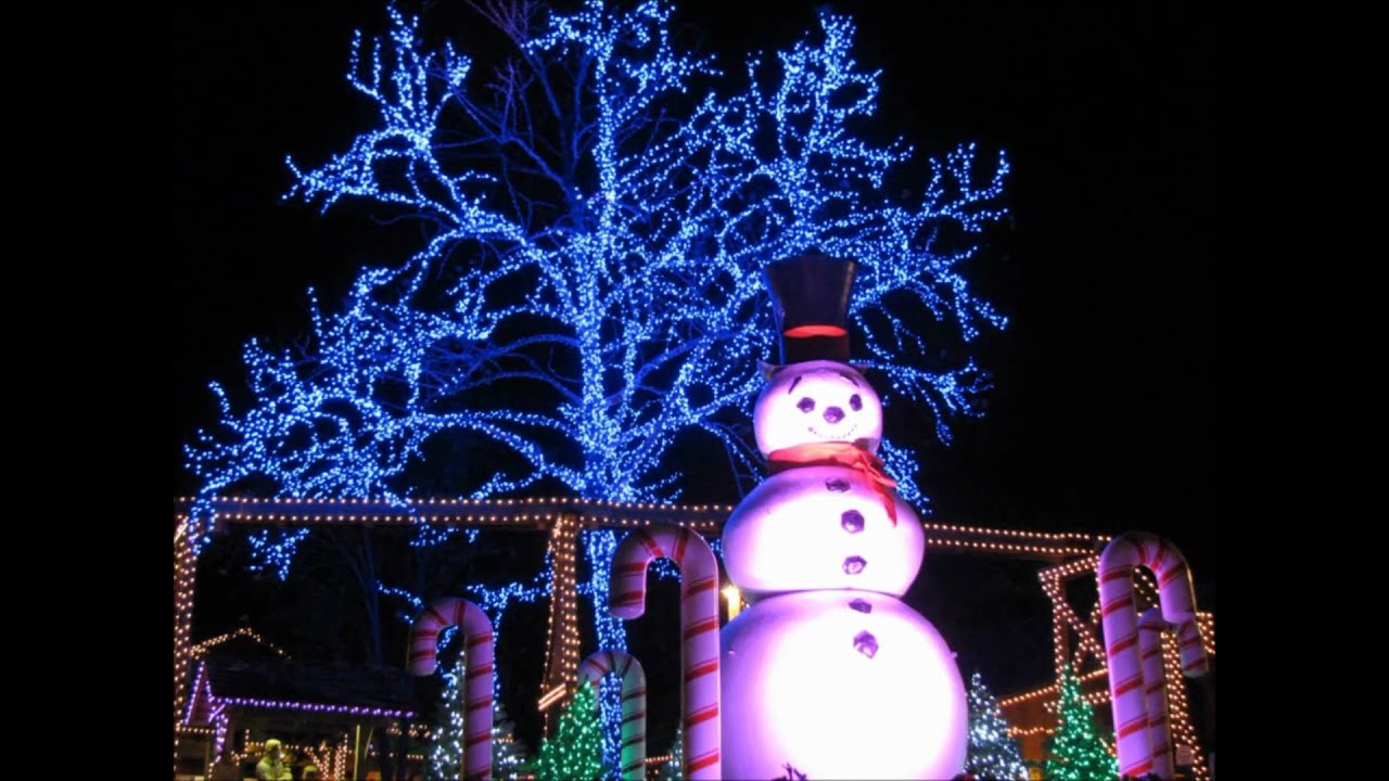 Christmas at Dollywood - YouTube