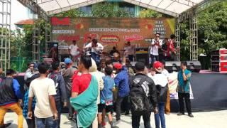 Download lagu Flash Of The Sun-Dari mata sang Garuda live at MAN5