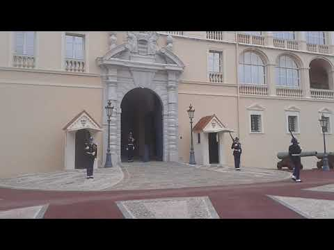 MONACO PALACE CHANGING OF THE GUARD (December 2017)