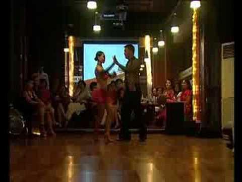 Club Latino jakarta - Salsa by Suci & Reyno