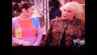 """5 19 12 Ray Barone Attacks His Father on """"Everybody Loves Raymond"""""""