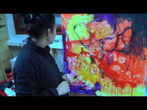 abstract expressionist painter Anna Hryniewicz in her studio