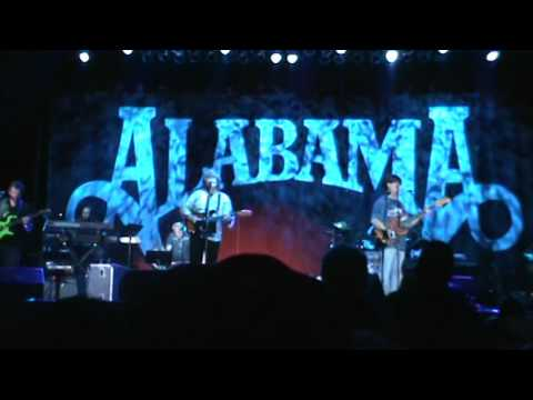 Alabama in Perry Georgia 10/10/15 (Lady Down On Love)