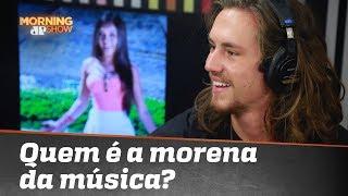 Baixar Afinal, quem é a morena da música de Vitor Kley? Cantor revelou ao vivo