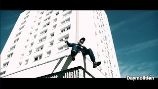 Смотреть клип Zeguerre - En Attendant Demolition 4